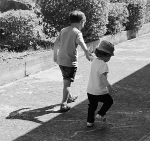 photo enfant noir et blanc